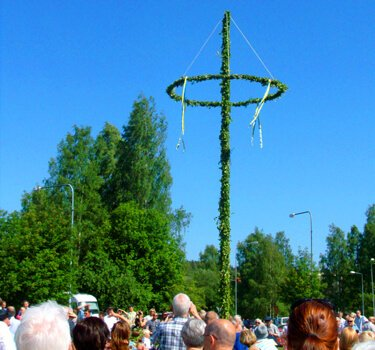 The Swedish midsummer maypole.