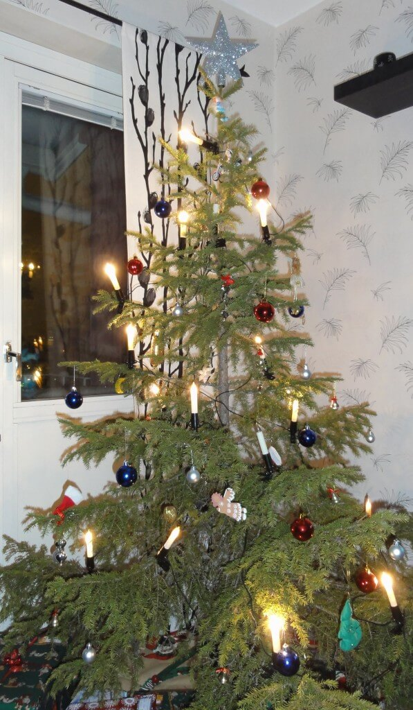 traditional home christmas tree - Traditional Swedish Christmas Decorations