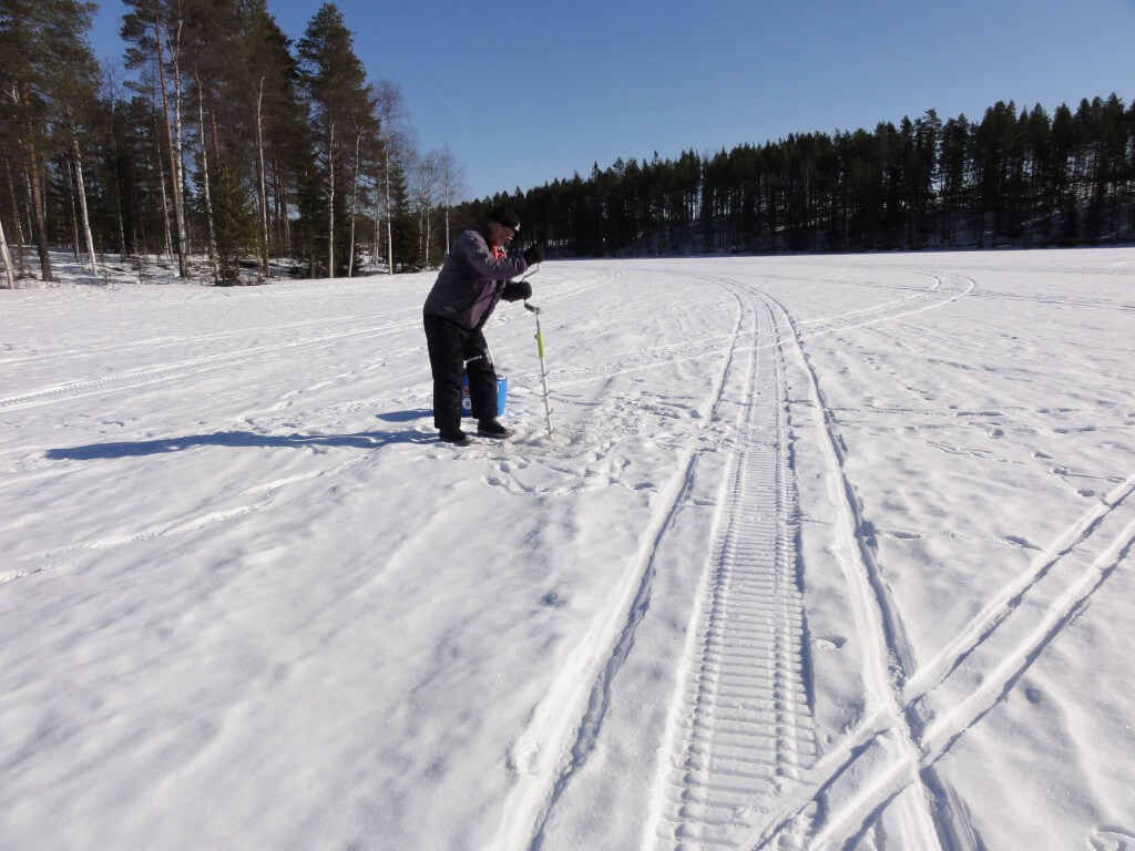 Learning to ice fish for Ice fishing hole