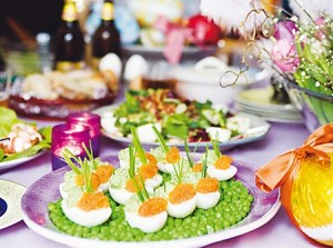 Egg halves with whitefish roe on påskbordet. Picture from icakuriren.se