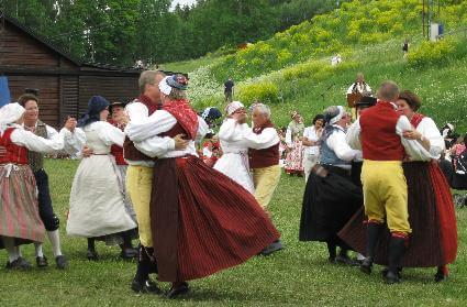 Folk dancers Photo by Arne Winderlich