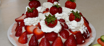 Swedish midsummer strawberry cake recipe