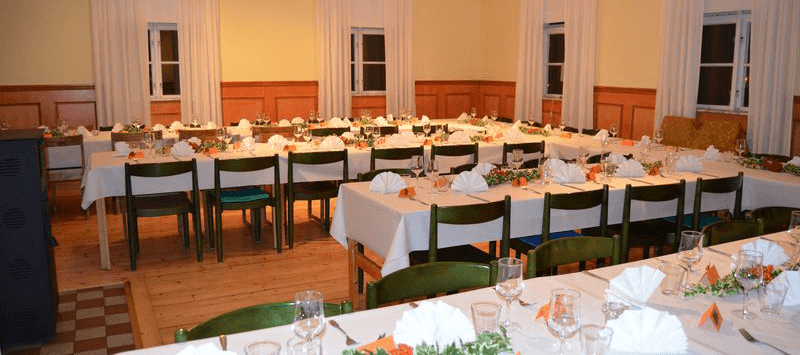 swedish-wedding-seating